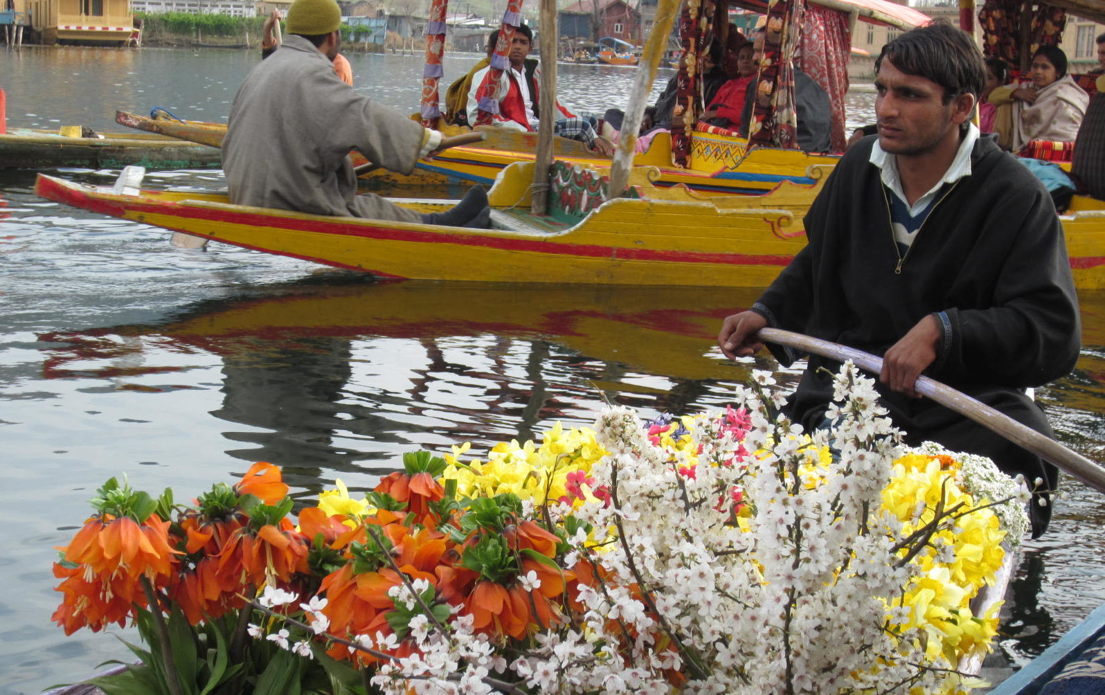 The Houseboat Experience at Dal Lake, Srinagar- A Trip to Kashmir